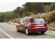 Nye S-MAX - en sporty familiebil med masse plass, fleksible løsninger og plass for 7