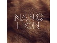 """Omslag, """"Lion"""" av Nano"""