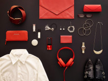 MDR-100 de Sony_Rouge_Lifestyle_06
