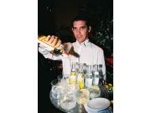 Mon ikke et par ekstra euro i drikkepenge kunne fremtvinge et smil på læben hos denne bartender på Abaco i Palma på Mallorca?