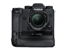 FUJIFILM X-H1 with Vertical Power Booster Grip VPB-XH1 and FUJINON XF18-55 F2.8-4