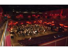 Kungl. Musikhögskolans symfoniorkester repeterar i Kungasalen på KMH:s nya campus