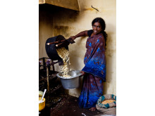 Kvinna som har företag i Indien, Hand in Hand