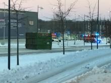 Ett biogasflak gled av en lastbil under morgonen