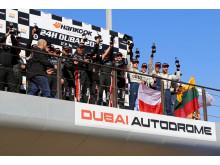 Team nr 21 på podiet på Dubai Autodrome efter att ha tagit 3:e plats i klass A3 Dubai 24H 2016