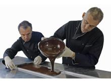 Bröderna Gardini utför sin chokladkonst