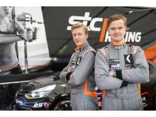 Joel Jern (t.v.) och Anthon Caldana, STC Racing. Foto: Tony Welam/STCC