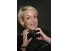 Komikern och programledaren Karin Adelsköld pratar ut i podden Freja om sin PMS.