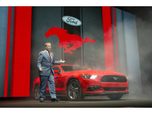 Styreformann i Ford Motor Company Bill Ford ved nye Ford Mustang som skal lanseres i Europa og Norge sensommeren 2015