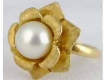 Stolen jewellery - pearl ring