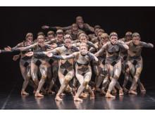 Untitled black av Sharon Eyal och Gai Behar, GöteborgsOperans Danskompani.