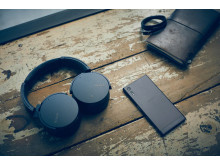 Sony_MDR-XB950N1_Lifestyle_01