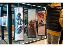 Durch die Zusammenarbeit mit Marken wie BMW Motorrad oder Garmin setzt SportScheck seine Plattform-Strategie nun auch im Stationärgeschäft um.