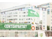 Centerpartiets flytande valstuga