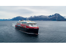 MS Roald Amundsen på prøvetur