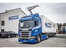 Scania R 450 Hybrid als Oberleitungs-Lkw