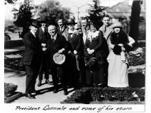 Carl Laemmle och några av hans 'stjärnor'