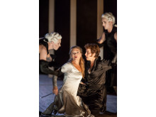 Press photo: Miah Persson (Aspasia), Raffaella Milanesi (Sifare). Mitridate, Drottningholms Slottsteater 2014