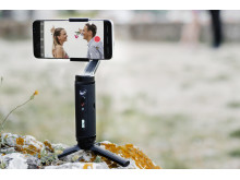 Zhiyun Smooth Q2 product in context