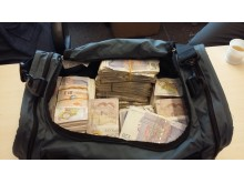 Cash in holdall