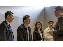Delegationen besöker Revere, SAFERs forskningsinfrastruktur och fordonslabb tillsammans med Fredrik Von Corswant, labbets föreståndare.