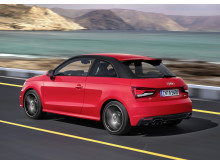 A1 red side rear dynamic