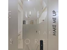 Fönsterdekor Make up store