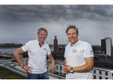 Jonas Lundin, vd STCC AB (t.v.), välkomnar Robin Nilsson som koordinator för populära rallycrossmästerskapet RallyX Nordic. Foto: Tony Welam/STCC