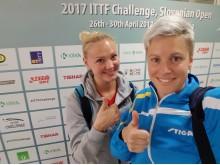 Georgina Pota och Matilda Ekholm efter segern i Slovenien.