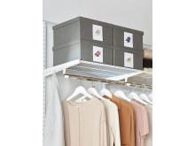 Elfa-garderob-inredning-sovrum-sasongsforvaring-skor-PRESS