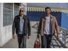 Mark Strong och Fares Fares i första avsnittet av spionserien Deep State, premiär på FOX april 2018.
