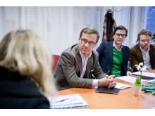 Socialförsäkringsminister Ulf Kristersson på besök hos StressRehab Danderyds sjukhus