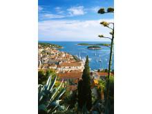 Kroatien har ca. 4,3 mio. indbyggere, og Dubrovnik og Split er landets to største byer. Split er hovedbyen i regionen Dalmatien og har eksisteret i ca. 1.700 år.