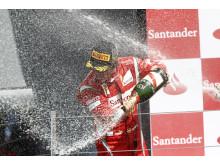 Fernando Alonso första seger på Pirelli PZero