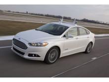 Ford esittelee automatisoidun Fusion Hybrid -tutkimusauton