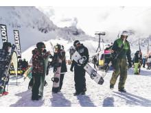 Vier Tage lang können alle Ski-und Snowboardfans untereinander Erfahrungen austauschen und sich gegenseitig Tipps geben.