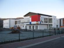 Lamellenfenster von EuroLam an der Grundschule_Buttlar