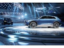 Audi e-tron quattro concept fra siden på Audis stand på Frankfurt International Motor Show 2015