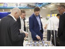 Norske sjømateksportører besøker fiskeavdeling i sør-koreansk supermarked
