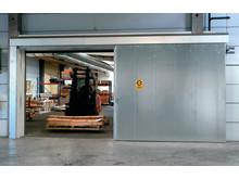 Brandskjutdörr S88 från Daloc i industrimiljö