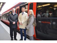 Infrastrukturministern provåker MTR Express snabbtåg