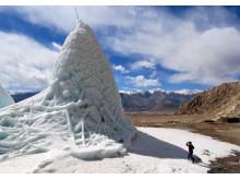 Konstgjorda glaciärer ska lösa vattenbrist i norra Indien och är ett samarbete mellan forskare i Indien och Luleå tekniska universitet.