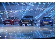 Audi A4, Audi e-tron quattro concept og Audi S4 på Audis stand på Frankfurt International Motor Show 2015