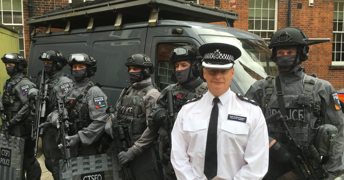 how to become a counter terrorism specialist firearms officer