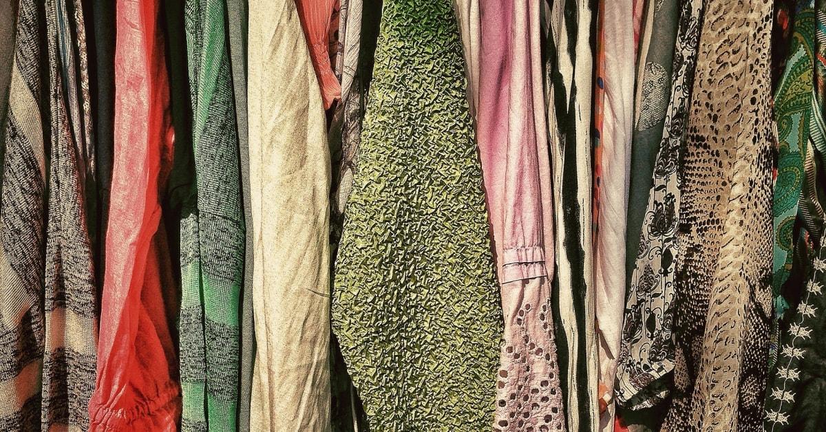 e6ab249fcd1b 72 procent av svenskarna köper kläder som de egentligen inte behöver -  Avfall Sverige
