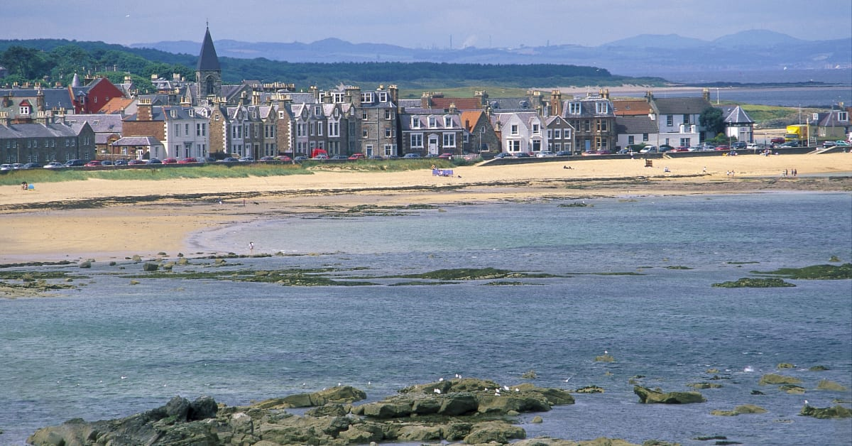 north berwick single bbw women Seahaven vacation holiday rental, north berwick, east lothian, scotland, united  kingdom  private parking for one car, a mature front garden with sun terrace  and secure back garden  open plan living areas provide a great sense of  space, calm and comfort to chill out  2nd bedroom has a single bed plus a set of  bunks.