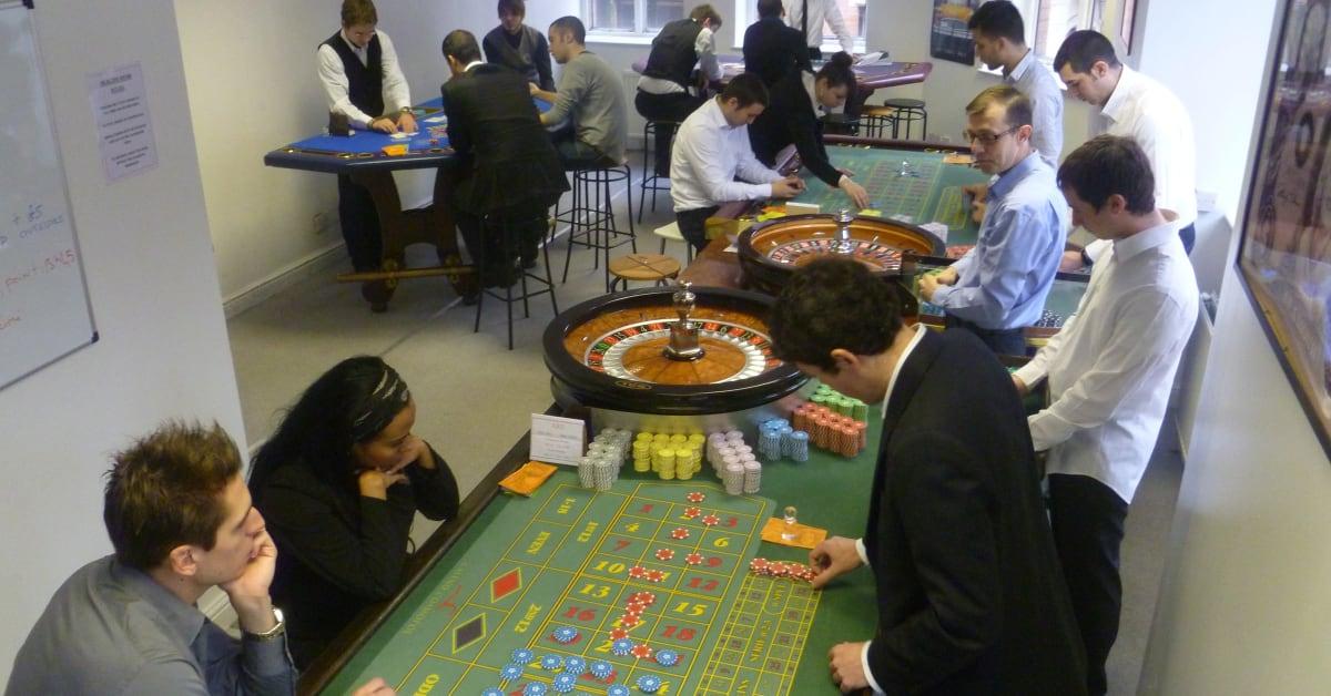 Casino training uk average number of decks used in casino blackjack