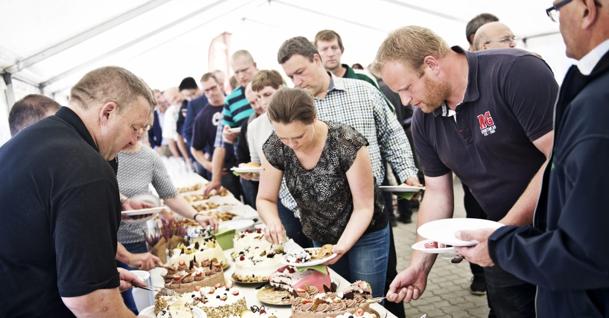 Åbningen af Sønderjysk Biogas blev fejret med Sønderjysk kagebord - E.ON Danmark