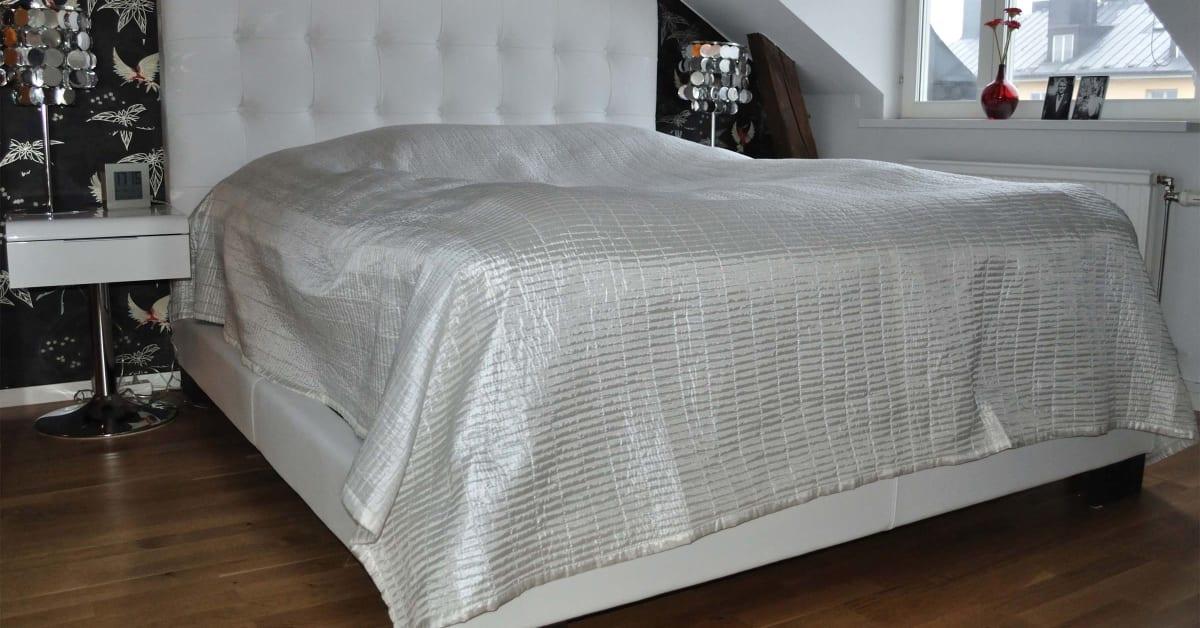 Måttbeställd sänggavel och sängram AZ Design