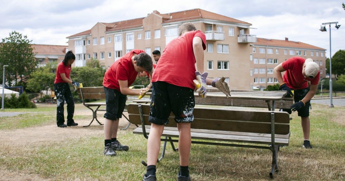 """Sommarjobben viktigare än någonsin - Stena Fastigheter erbjuder 350 jobb till unga"""""""